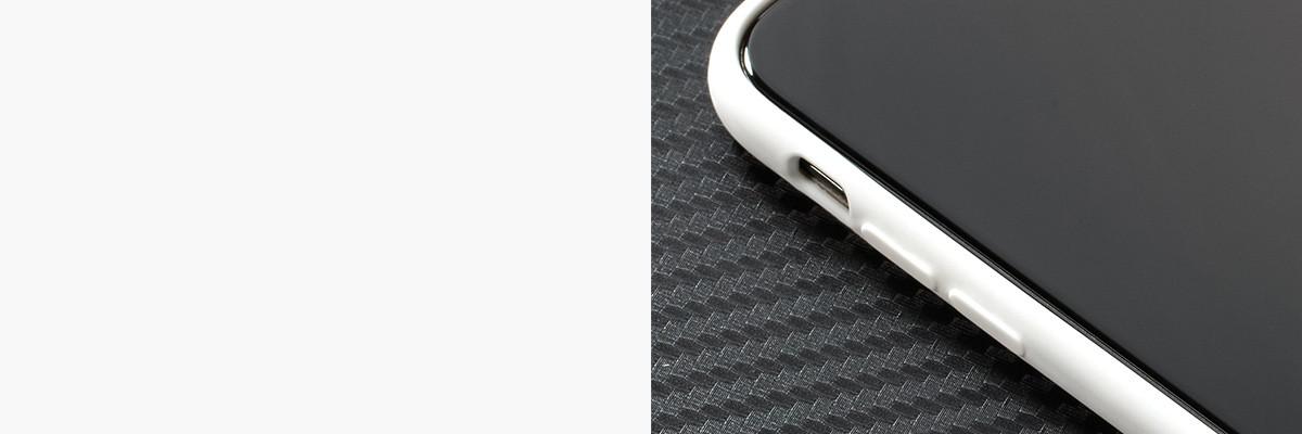 Wyprofilowane wewnątrz przyciski ułatwiają korzystanie z  Apple iPhone Xs MAX (A1921)
