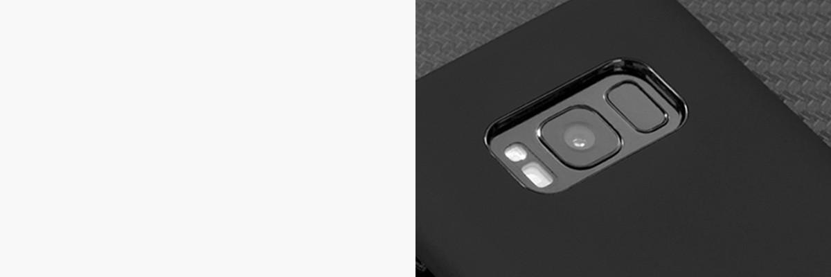 Perfekcyjnie wycięty otwór na aparat w silikonowej obudowie na tył Samsung Galaxy S8